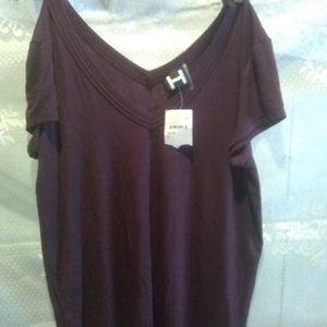 H & M V-NECK TOP
